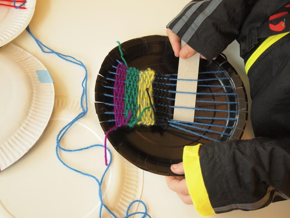 paper plate stripe weave